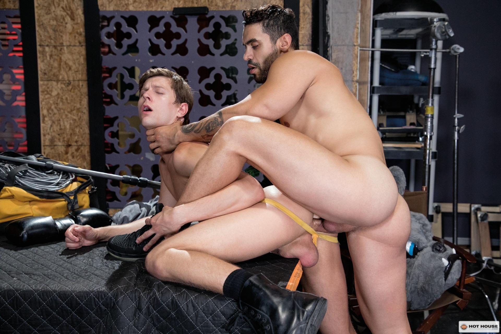 Arad Winwin and Austin Avery gay porn